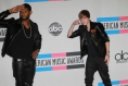 Usher to Duet with Justin Bieber for Christmas Album