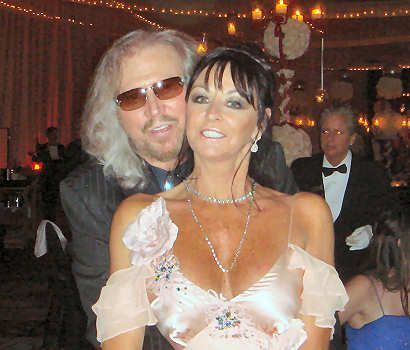 Barry & Linda Gibb http://people.famouswhy.com/barry_gibb_and_linda_ann_gray/barry_gibb_and_linda_ann_gray_photo1-p3155.html