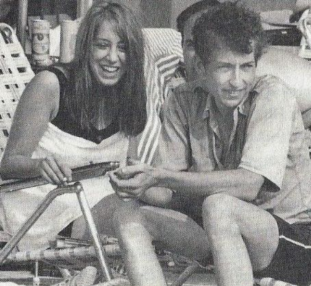 the influence of suze rotolo on bob dylan and his music Rotolo inspired 'boots of spanish leather,' 'don't think twice, it's all right,' 'tomorrow is a long time' and many more suze rotolo, bob dylan's girlfriend and the muse behind many of his .