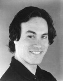 http://www.famouswhy.com/pictures/people/brandon_lee.jpg
