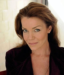 Claudia Christian