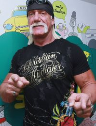 hulk hogan biography  pictures  images  movies  videos  articles  news
