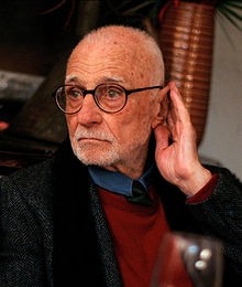 http://www.famouswhy.com/pictures/people/mario_monicelli.jpg