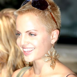 Mena Suvari