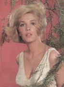 Stella Stevens