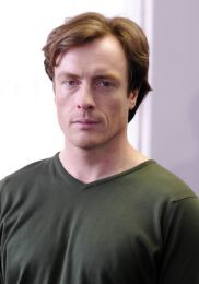 Toby Stephens